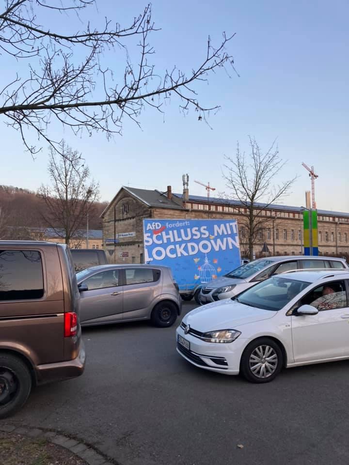 VIDEO +++ Auto-Korso Pirna, Sachsen zeigt wie's geht. Lockdown beenden! 💪💙 +++
